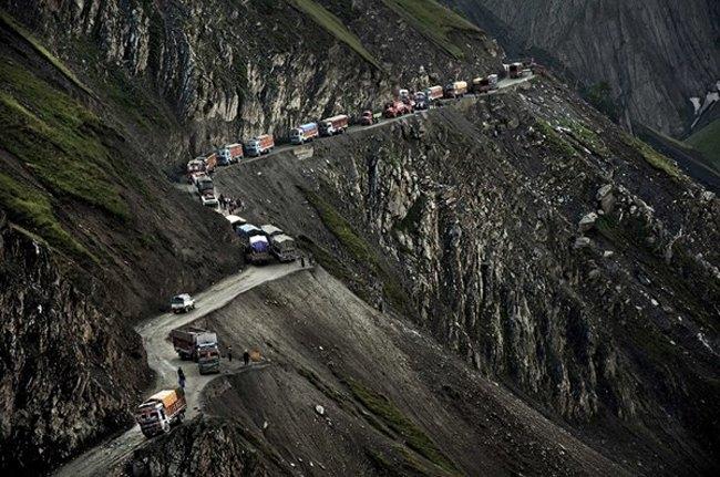 Đèo Zoji La – Ấn Độ nằm ở độ cao khoảng 3.528m so với mực nước biển