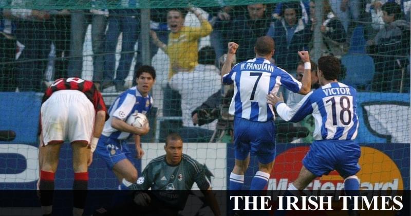 Các cầu thủ Deportivo thi đấu như lên đồng trên sân nhà