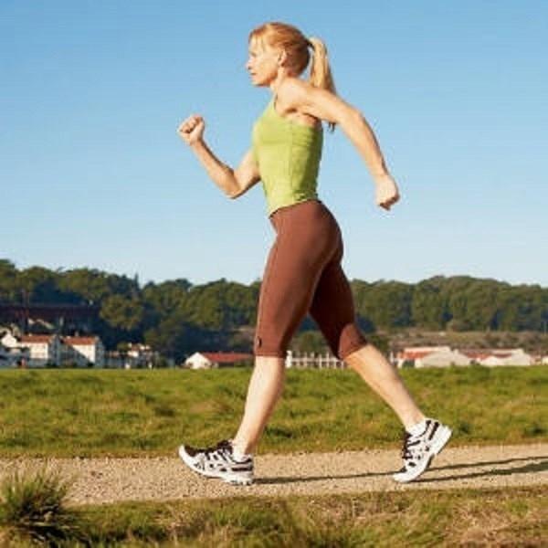 Đi bộ ít nhất 30 phút mỗi ngày