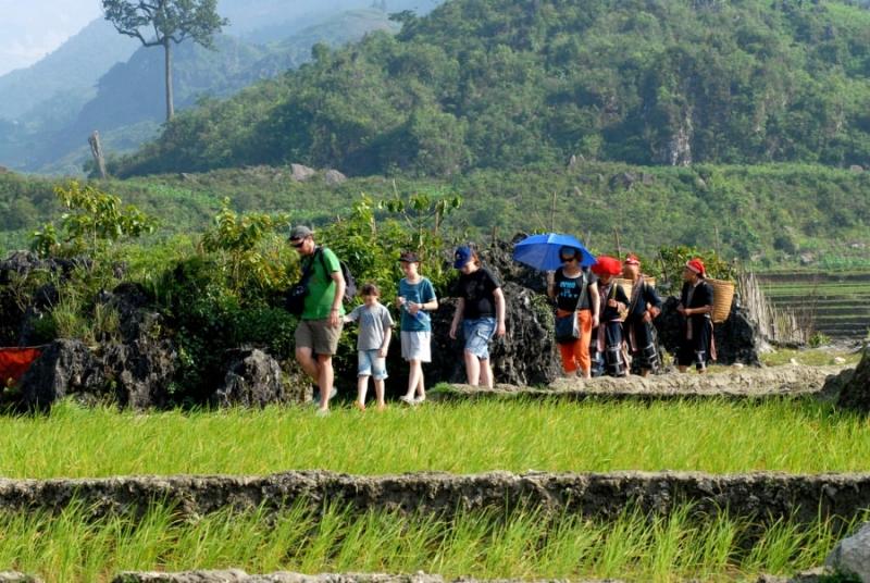 Đi bộ khám phá các bản làng dân tộc ở vùng cao Sapa