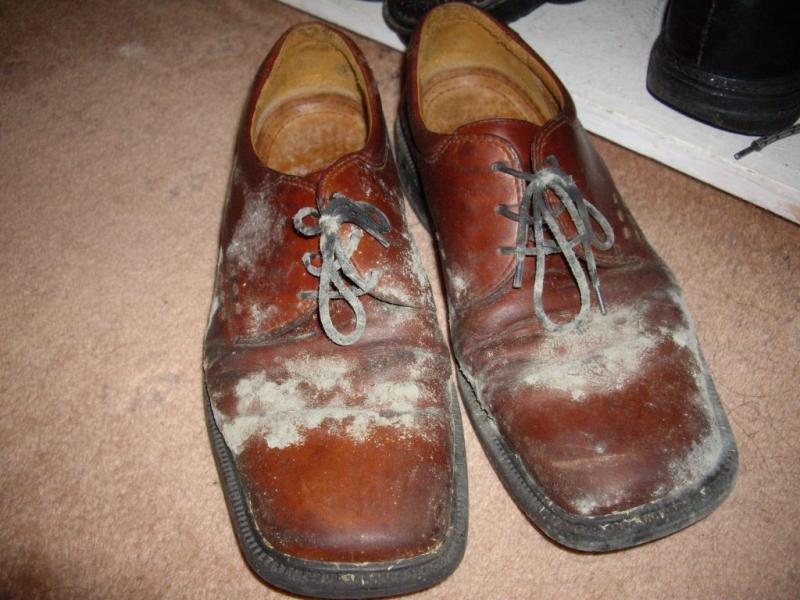 Giày quá bẩn rất mất lịch sự