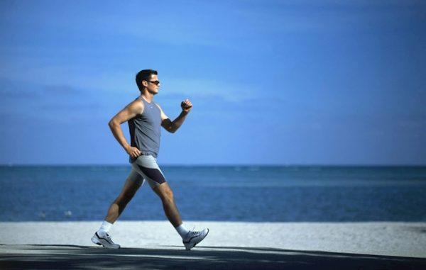 Bạn đi bộ càng nhanh thì bộ não sẽ càng linh hoạt lâu hơn.