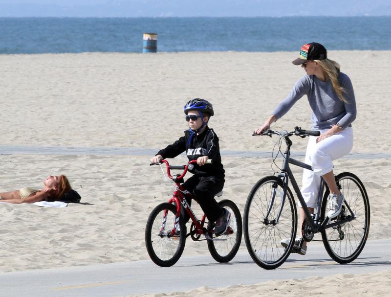 Đi xe đạp giúp chúng ta giảm chứng đau đầu