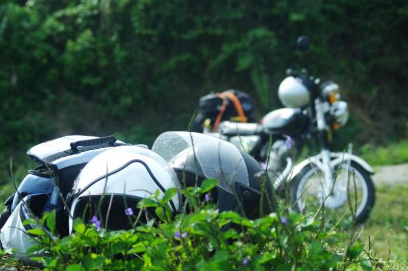 Cưỡi xe máy trên Mộc Châu