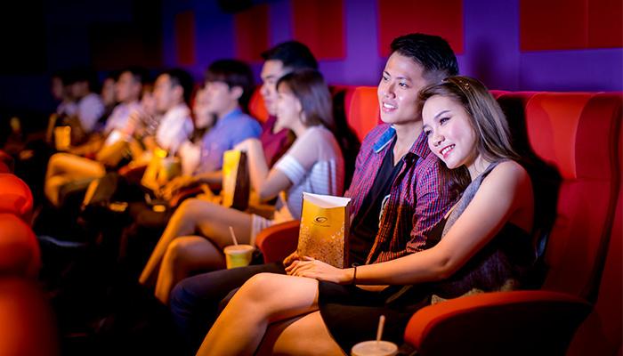 Đi xem phim cùng nàng
