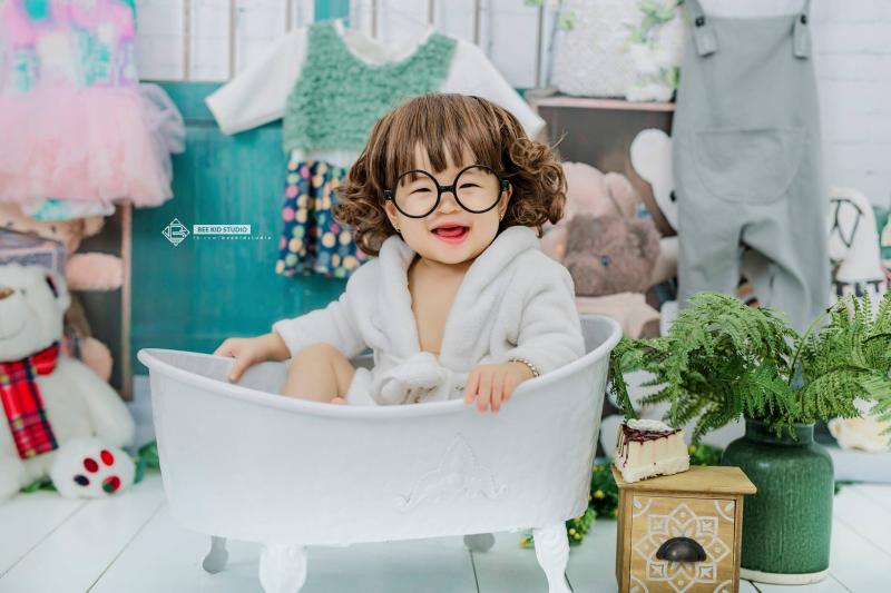 Bee Kid studio là nơi cung cấp dịch vụ chụp ảnh cho bé