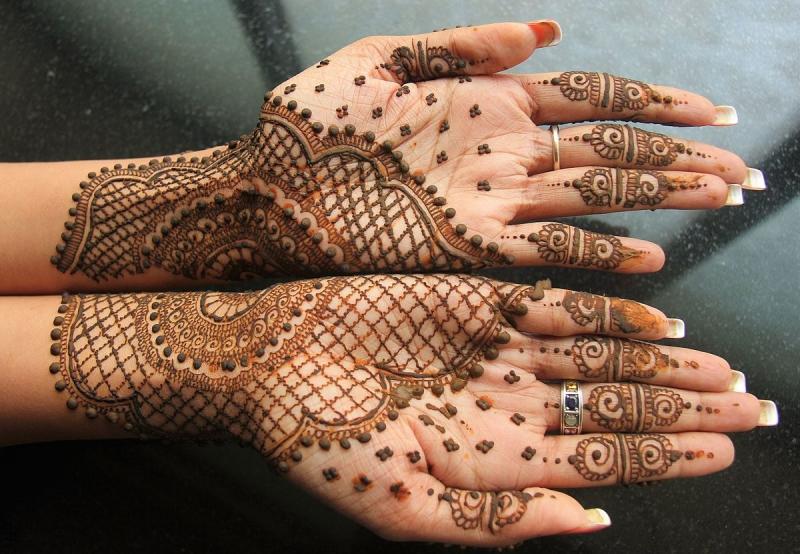 Top 8 địa chỉ chuyên vẽ Henna chất lượng nhất hiện nay