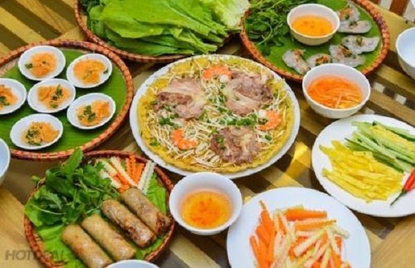 Top 10 địa chỉ thưởng thức món ăn Huế cực ngon ở Sài Gòn