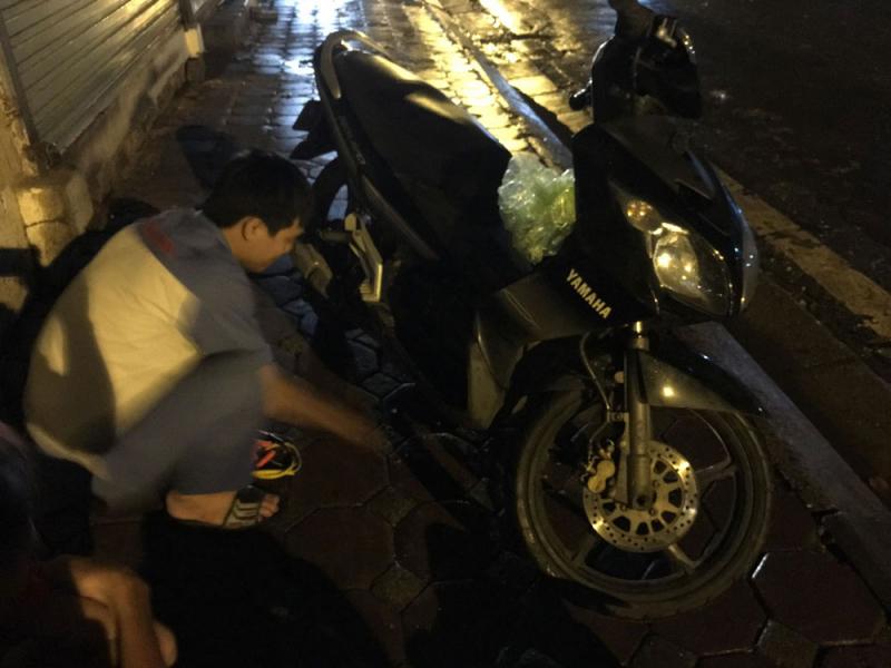 Dịch vụ cứu hộ, sửa chữa xe tại nhà 24/24h - Motor Rescue Hà Nội.