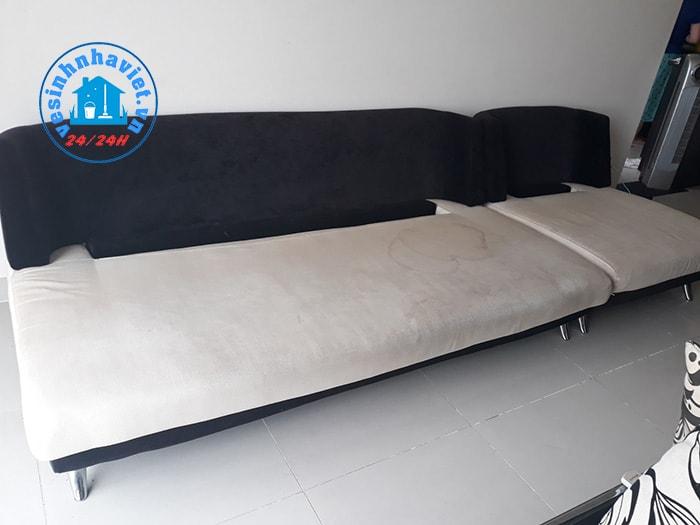 Sofa bẩn, nhớ đến HERAMO