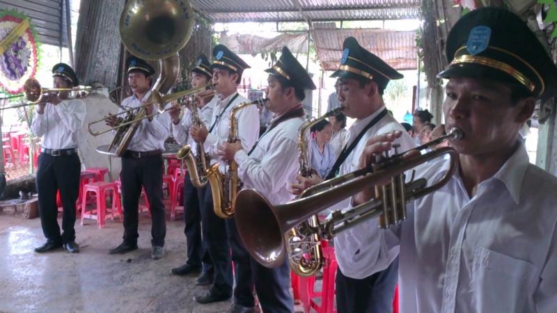 Minh Châu với đội phục vụ tang lễ chuyên nghiệp cùng với dịch vụ tang lễ trọn gói báo giá rẻ nhất hiện nay sẽ lo cho gia quyến có được một đám tang uy nghiêm, với đầy đủ các lễ nghi