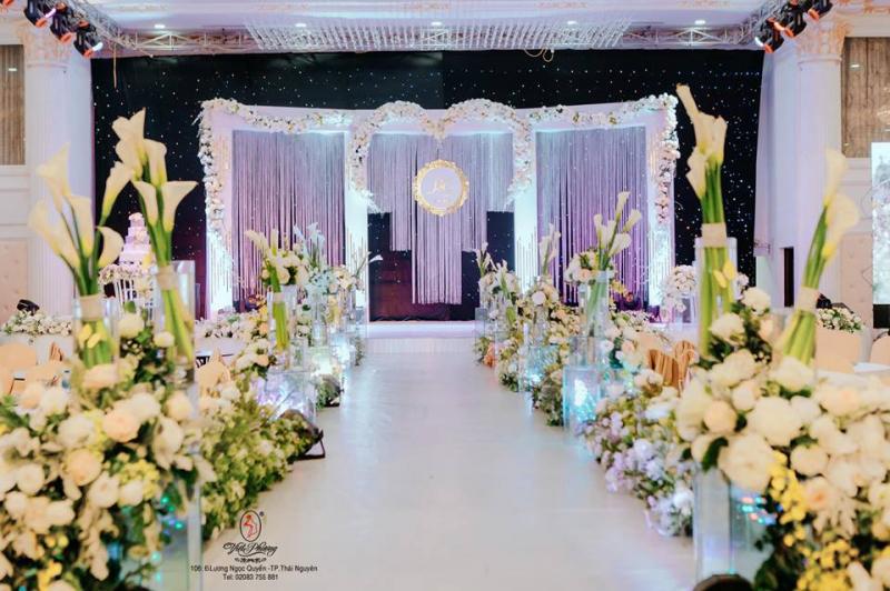 Dịch vụ trang trí tiệc cưới Nhà Rạp Việt Phượng Royal Palace
