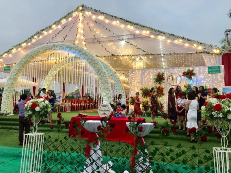 Dịch vụ trang trí tiệc cưới - Rạp đẹp Quý Biên