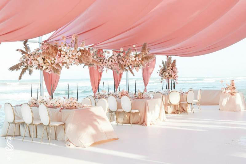 Dịch vụ trang trí tiệc cưới Royal Swans