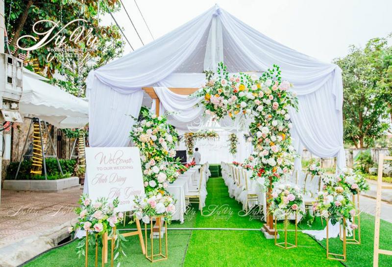 Dịch vụ trang trí tiệc cưới VyVY Wedding & Flowers.