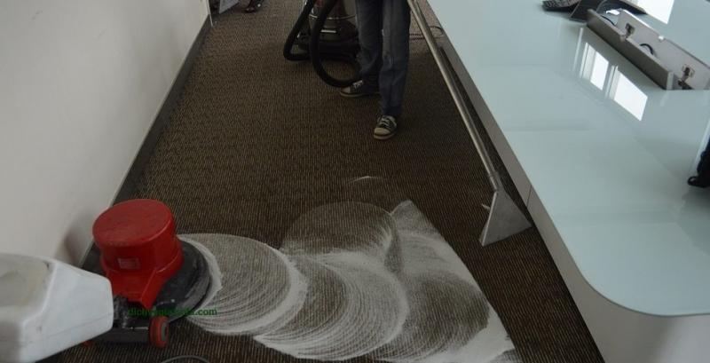 Một trong những quy trình vệ sinh của công ty Nam Tín