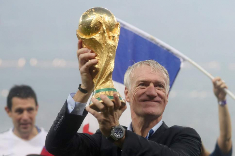 Deschamps đã vô địch World Cup trên cả cương vị cầu thủ lẫn HLV