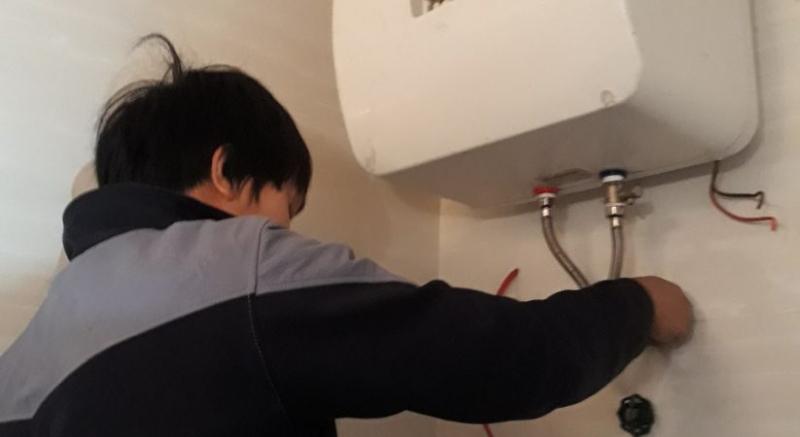 Dịch vụ sửa chửa tại Điện lạnh lanh dân dụng Sóc Trăng  ( Ảnh minh họa, nguồn: Internet )
