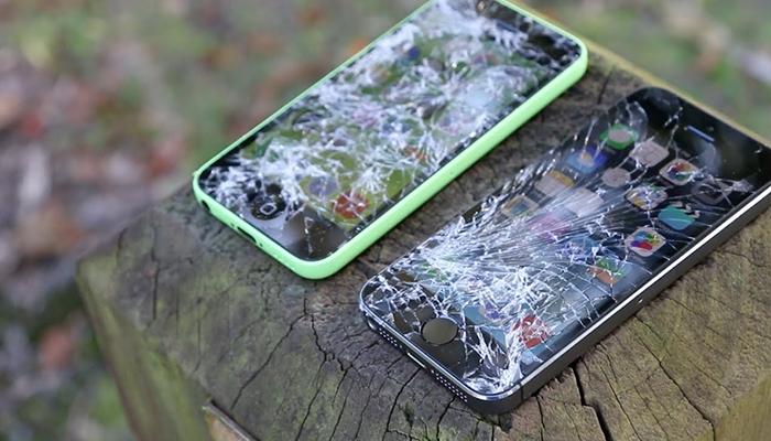 Smartphone bị hỏng do những cú va quệt mạnh
