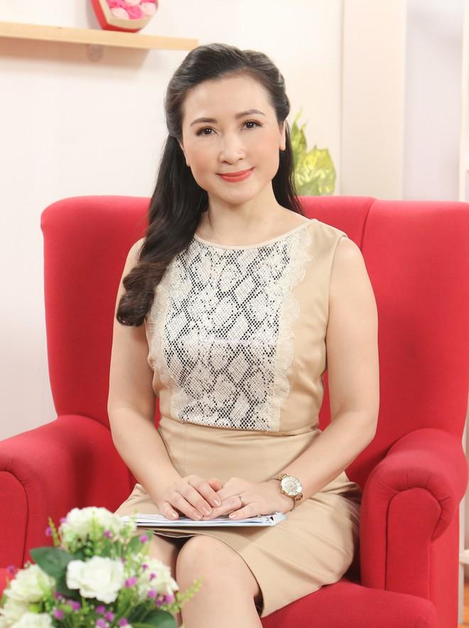 Nhan sắc ngọt ngào của nữ diễn viên Khánh Huyền