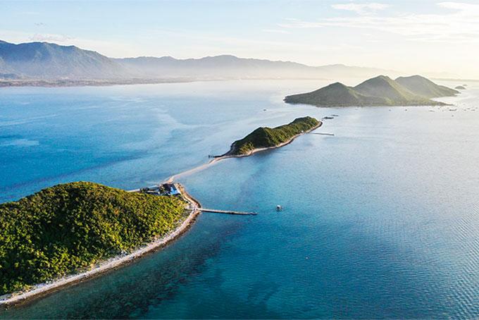 Điệp Sơn gồm 3 hòn đảo nhỏ
