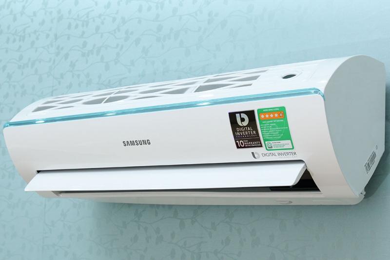 Samsung AR10KVFSCURNSV với thiết kế tam diện độc đáo