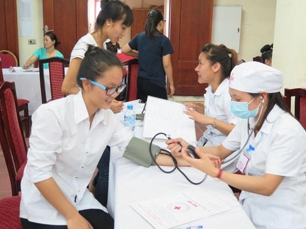Bạn phải đảm bảo một sức khỏe ổn định nếu muốn đến sinh sống, học tập tại một đất nước xa lạ