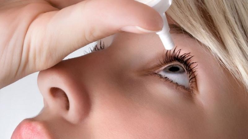 Điều trị khô mắt không đúng cách