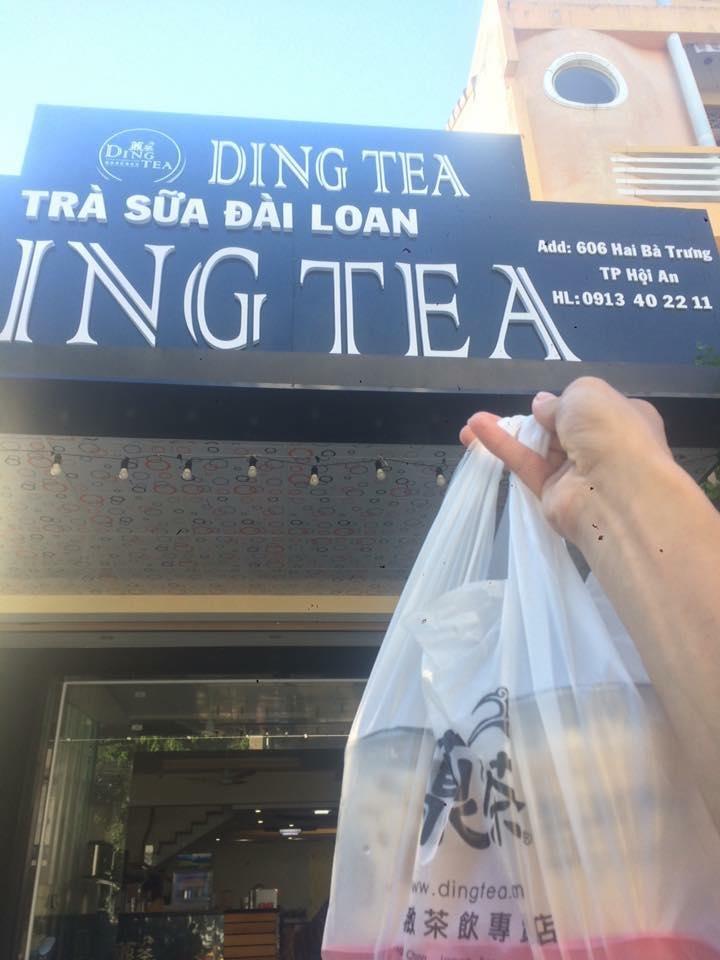 Khách hàng tại Ding Tea Hội An.