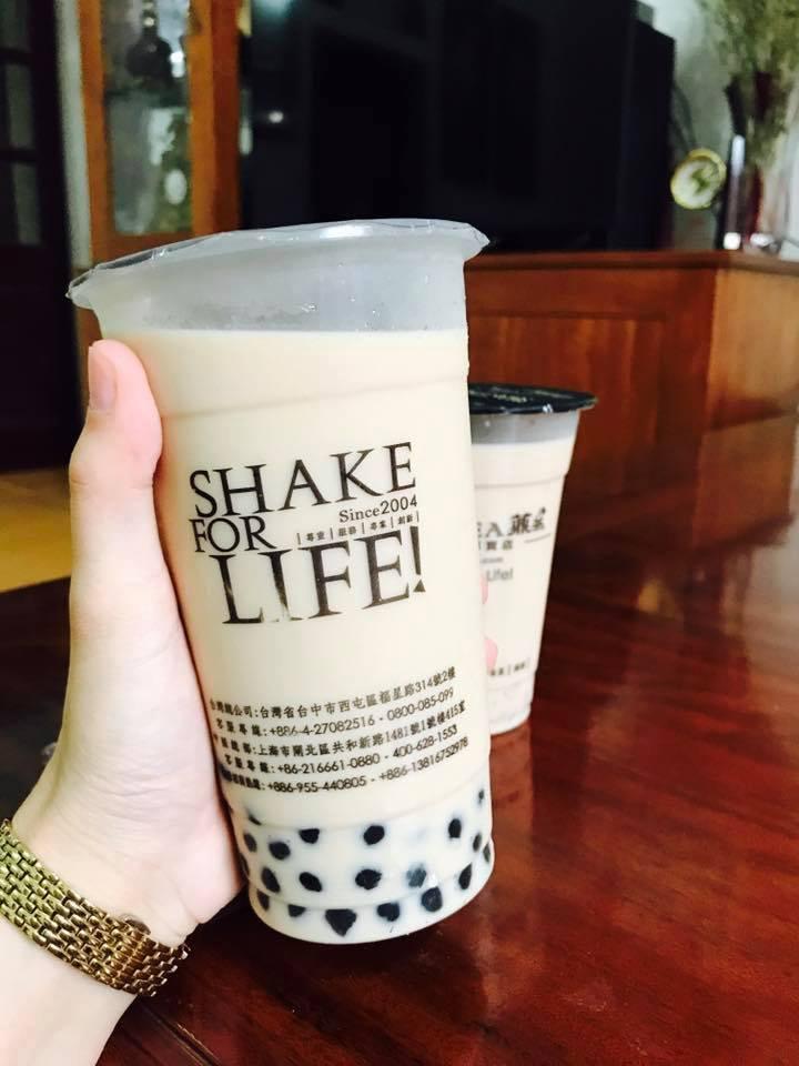 Ding Tea mang đến những ly trà sữa mát lạnh với trân châu dend ai dai