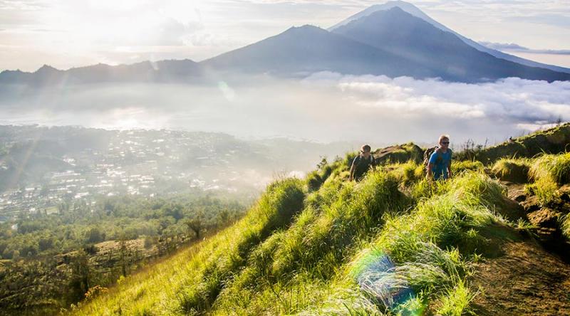 Cảnh quan ban ngày trên đường đến đỉnh Batur