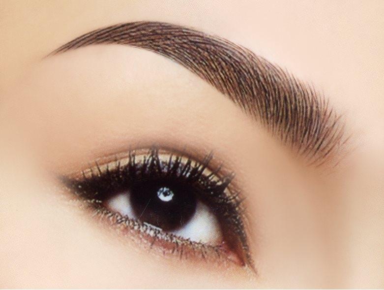 Son dưỡng có thể thay thế mascara mày