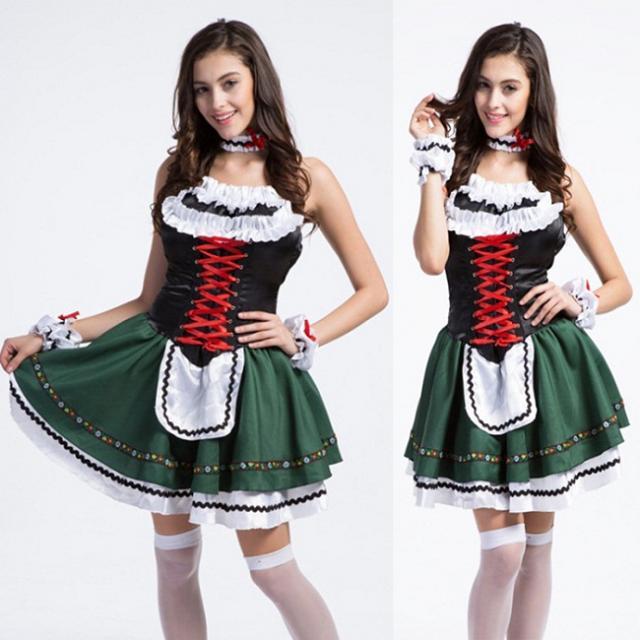 Dirndl của nước Đức và nước Áo