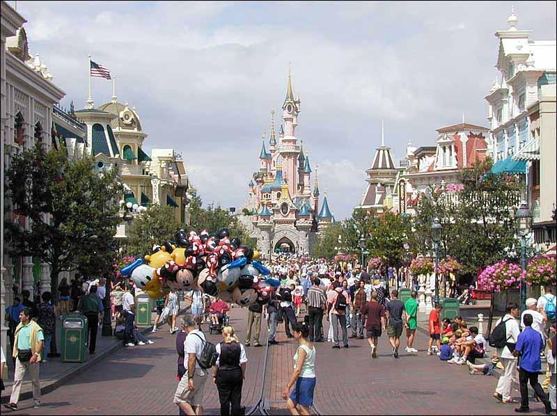 Disneyland Paris (Pháp)