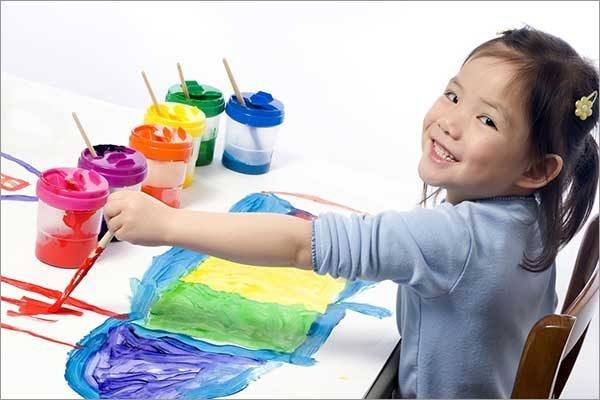 Đồ chơi vẽ tranh giúp bé phát triển năng khiếu và giàu trí tưởng tượng khi chơi
