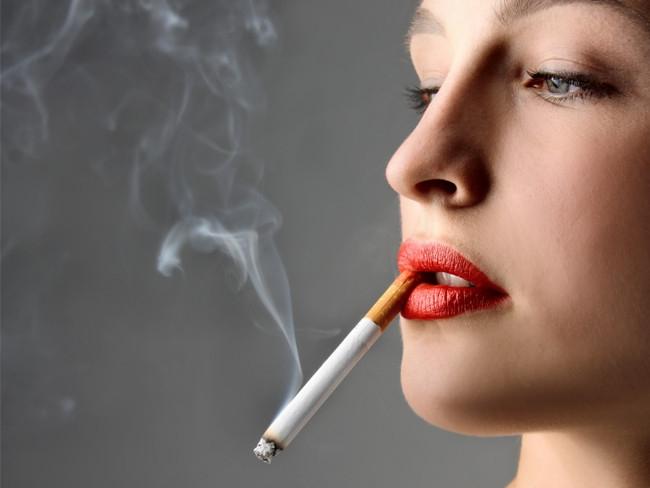 Do hút thuốc và các chất kích thích