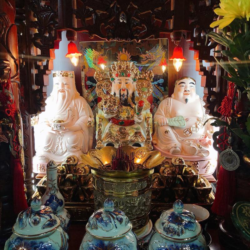 Đồ thờ cúng Hồng Vinh
