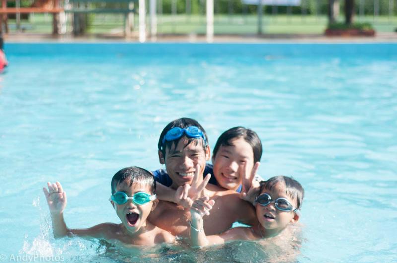 Độ tuổi hợp lý cho bé học bơi
