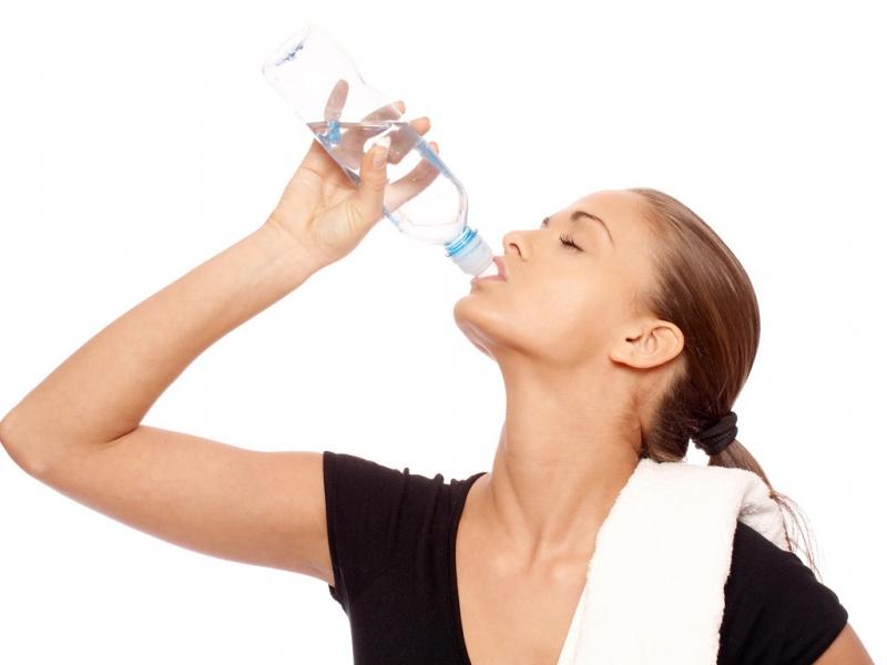 Hãy uống nước trước, trong và sau khi luyện tập