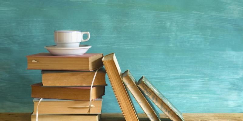 Đọc nhiều sách, báo