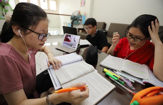 Đọc sơ bộ các tài liệu, sách trước khi học online