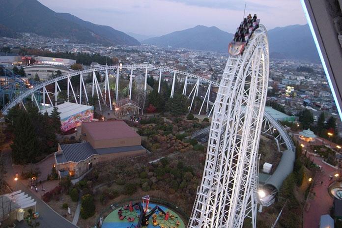 Tàu lượn Dodonpa được đặt tại công viên giải trí Fuji-Q Highland của Nhật Bản