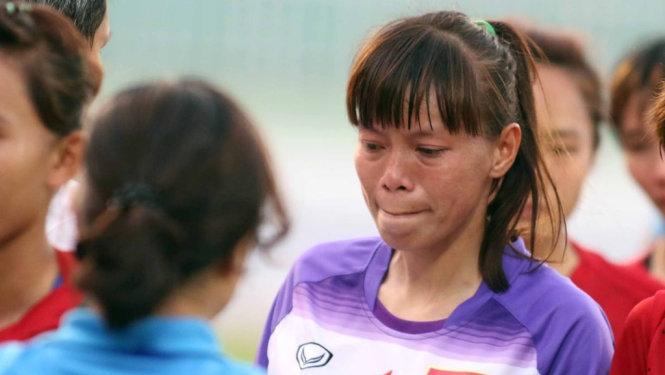 Những giọt nước mắt đã rơi sau trận thua tức tưởi trước người Thái.