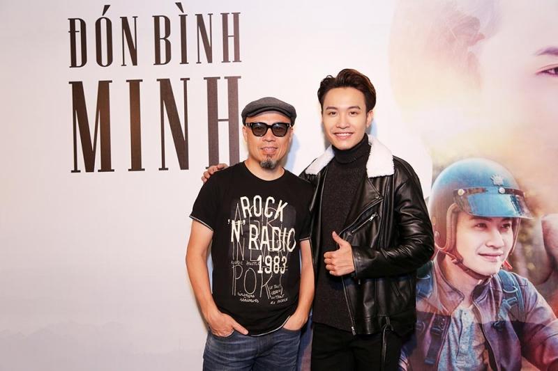 Nhạc sĩ Huy Tuấn và ca sĩ Phạm Anh Duy trong ngày ra mắt MV