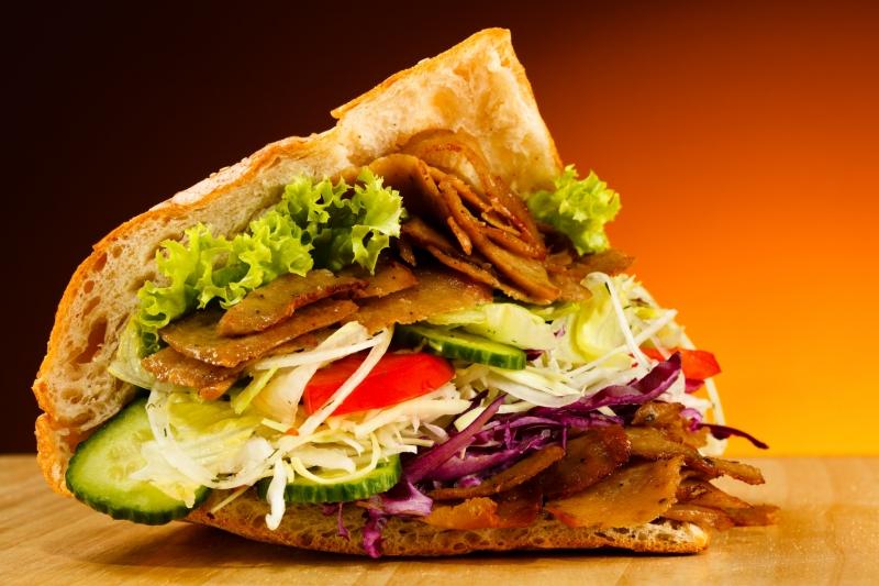 Đây là một món ăn đường phố khá nổi tiếng ở Thổ Nhĩ Kì.