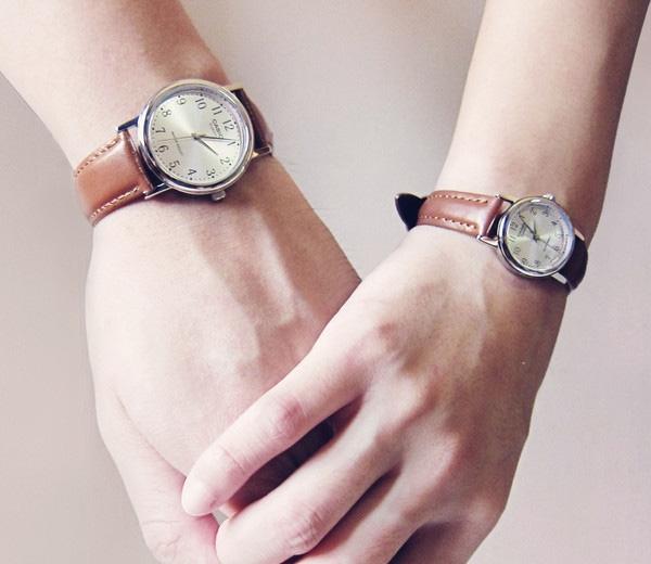Bạn có thể mua đồng hồ đôi cho cả hai