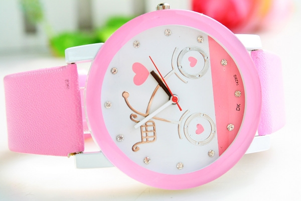 Đồng hồ màu sắc hơn cho cuộc sống thêm tươi mới.