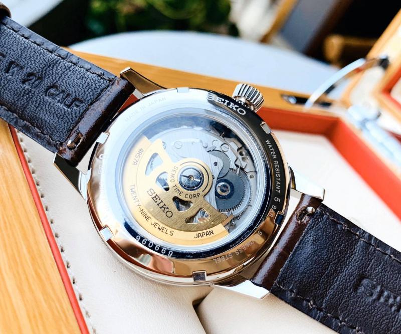 Đồng hồ Mỹ Tân
