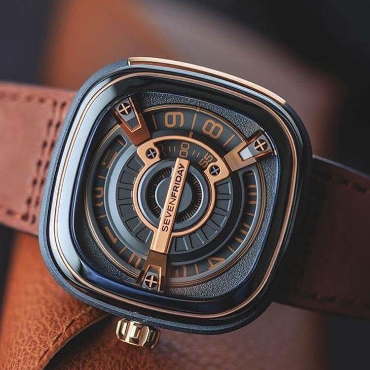 Đồng hồ Unik.