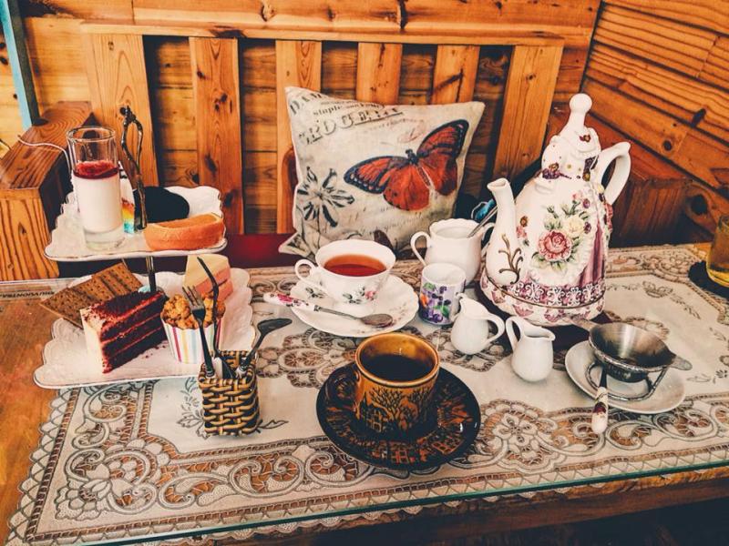 Đồ uống và bánh tại Đồng hoa cafe
